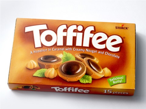 Bomboane de Ciocolata Toffifee ( 125 gr )